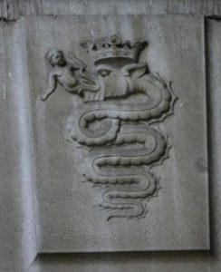snake 244x300 - دانلود مستند قربانی کردن انسان در آئینهای رازآلود با لینک مستقیم
