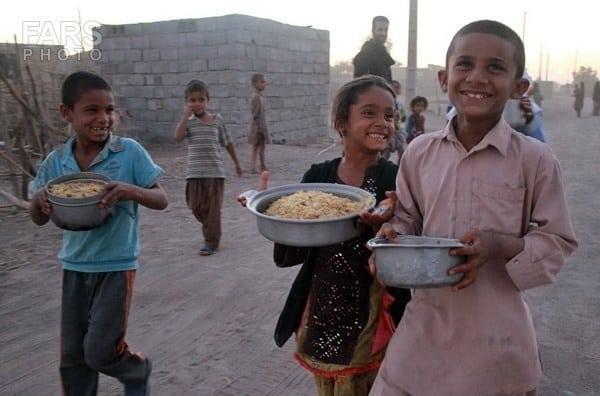 920822084652813 PhotoL - جای نذری محرم به فقرا کمک کنید